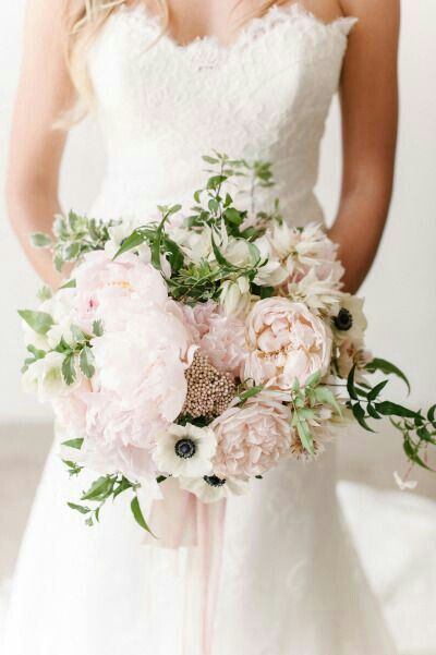 19 bridal bouquet types which wedding bouquet style is - 736×1106